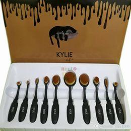 2017 outils gratuits d'expédition Nouveau Kylie Set de brosse cosmétiques Noir Kylie outil de brossage de maquillage Popularité Select Professional Tools Livraison gratuite outils gratuits d'expédition sur la vente