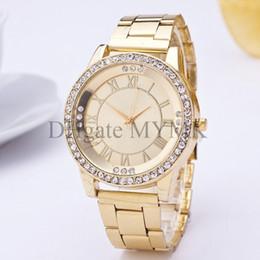 Wholesale Vintage montre chiffres romains Nouveau quartz montres bracelets de luxe célèbres montres design pour femmes hommes dames hommes Argent rose or M05