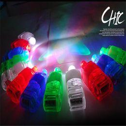 2016 laser conduit doigts Lumière LED Lumière Jouet Laser Doigt Incandescent Beam Anneau de doigt Laser Lighting Toy 4 couleurs lumineuses Flash couleur LED Lumière lumineuse DHL peu coûteux laser conduit doigts