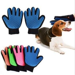 Wholesale 4 Colors True Touch Deshedding Glove True Touch Cleaning Massage Dedeshing Dog Grooming Bath Dog Brush Comb Pet Hair Brush CCA5863