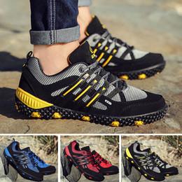 Brand Men Hiking Shoes Outdoor Mountain Climbing Boots for Men Hiking Botas Fashion Sports shoes Trekking Shoes Non-slip Waterproof sneakers