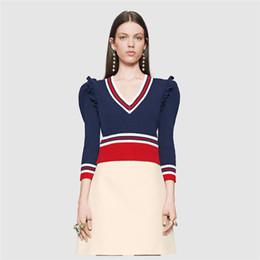 Senhoras jumpers casuais On-line-Mulheres Designer Lã Sweaters 2016 Outono Breve V Pescoço Flounced Manga Escritório Senhora Trabalho Malha Pulôver Jumpers