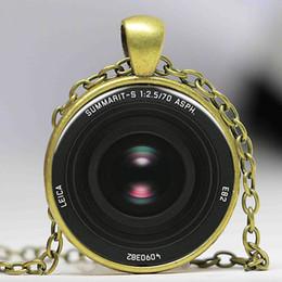 Acheter en ligne Caméras pour les filles-Vintage Camera Lens Collier pendentif photo art Fairytale fille chaîne Bijoux femmes hommes cadeau antique charme
