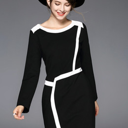 Korean women s dress On-line-Ouro Mãos 2017 Outono Inverno Estilo Coreano New Temperamento Mulheres Long Slim Pacote Hip Vestido Carreira S-XL Preto-Branco Striped Frete Grátis
