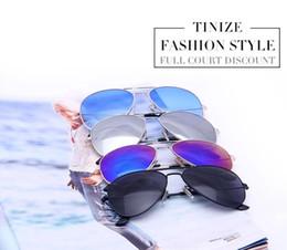 Gafas de sol de color rosa en Línea-2017 Los vidrios de sol calientes de los hombres Aviador para las mujeres diseñan las gafas de sol de la aviación del diseñador Mirror Pink Reys Protección Sunglass los EEUU Ucrania b