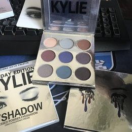 Wholesale 10 set makeup colors eyeshadow palettes kylie jenner christmas holiday edition eyeshadow palette naked palette eye shadow