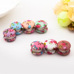 XT19 12pcs lot Wholesale magnet brooches New arrive broches Fashion lovely Brooches of women Flowers libelula Romantic hijab accessories