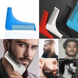 Descuento recortar las herramientas de corte Bro-barba Beard Bro Beard herramienta de modelado para hombres líneas perfectas pelo moda trimmer trim corte de cabello gentleman Modeling Combs B0900