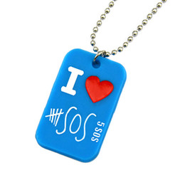 50PCS Lot I Love 5SOS Silicone Dog Tag Necklace 5 Seconds Of Summer Pendant Necklace With 24 Inch Ball Chain
