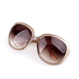 Wholesale Charming Sunglasses For Women Designer Fashion UV Sun Glasses New Arrival Luxury Glasses For Ladies With Cheap Price Authentic Box