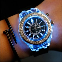 2017 Geneva fashionable luminous watches led wrist watch high quality diamond lovers with luminescent silica quartz watch