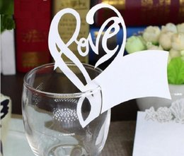 100pcs Hot Hollow Love Heart Shape Paper Place Card Escort Cup Card Wine Glass Card Paper for Wedding Par Wedding Favors