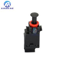 New brake light switch for BMW E30 E36 E34 E32 E38 E46 brake light switch pedal switch 61311378207 61311378209 61318360420