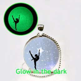 Wholesale Glow in The Dark Ballerina Pendant Necklace Ballet Dance Jewelry Glowing Necklace Pendant Gymnastics Lovers Gifts