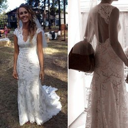 2018 Vintage Lace Wedding Dresses V Neck Cap Sleeves Sweep Train Fall Country Wedding Dresses Modest Cowgirls Bridal Dresses