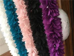 Descuento cosiendo flores 3d 5 yardas Cordón de encaje recorte 3D pétalos de flores 6 cm ancho DIY vestido de costura accesorios de costura para el vestido