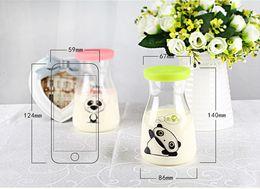 Livraison gratuite enfants Bouteille d'eau bouteilles d'eau de verre bouteille de jus de lait avec couvercle 13oz envoyé au hasard à partir de bouteilles d'eau gratuits pour les enfants fabricateur