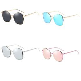 2017 New Fashion womens sunglasses