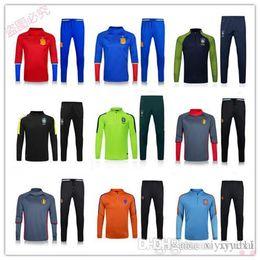 2017 services de l'équipe Personnalisation de vêtements en gros 16-17 Équipes de football espagnoles Équipement de jogging en espagnol Équipement de formation de l'équipe nationale de football en Espagne qua promotion services de l'équipe