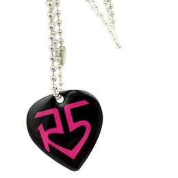 Wholesale 50PCS Lot Heart Shape R5 Aluminum Dog Tag Necklace Give Away Gift for Music Fans 4 Colours