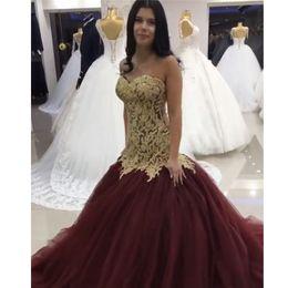 2017 las mujeres atractivas de oro Vestido de noche de Borgoña Robes De Soiree 2017 Longue oro Appliques sirena vestidos largos de baile para los vestidos formales para mujer de fiesta las mujeres atractivas de oro Rebaja