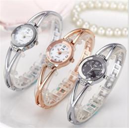 2017 mujer del estilo de reloj resistente al agua Moda Corea Estilo Mujeres estudiantes, gils pulsera Relojes de acero con impermeable de cuarzo impermeable mujer del estilo de reloj resistente al agua baratos