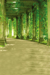 Descuento fondos de verano 8x10ft Jardín Fotografía Backdrops Pórtico Pillar Verde Plantas Árbol hojas Columna Primavera Verano Scenic Photo Background for Studio