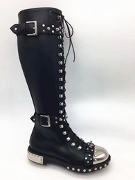 chaussure en cuir longue Promotion Cuir Hobnail Knee High Boot Femmes Black Rivets Stud Bottes de moto Fall Winter Buckle Femme Creepers Chaussures Long Botas Grande taille