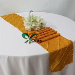 Good Looking Taffeta Pintuck Table Runner For Wedding Table Cloth Decoration