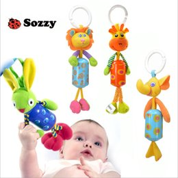 2017 camas de muñecas al por mayor Venta al por mayor- SOZZY Baby Rattles WingBell Wind carillón Bed Car Bed Cochecito Cuna colgante de conejito Cute Infant Crib Toy Plush Soft Play Doll Xmas camas de muñecas al por mayor promoción