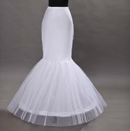 Descuento falda de crinolina sirena Los crinolines al por mayor de la falda del aro de los underskirts del vestido del quinceanera de Tulle de la trompeta del vestido de boda de la sirena liberan el envío