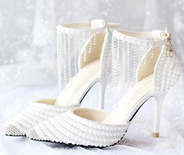 Perles de diamant hauts talons à vendre-Livraison gratuite 2017 Chaussures de mariée de style plus récent chaussures de perles de diamants perlées à la main pointues chaussures de mariage à talons hauts shuoshuo6588