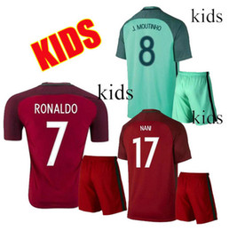 Wholesale Grossistes Portugal Kids kits Soccer Jerseys RONALDO maison Red away Vert NANI QUARESMA GUERREIRO Portugal enfant football chemise