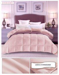 A Luxury Queen size alternative 100% down comforter -100% HYPO-ALLERGENIC & ALLERGY FREE -4 Pounds   70oz -with corner tabs