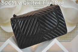 Acheter en ligne Chaîne grand sac-2016 mode 30cm V sac doux matelassé noir peau de mouton cuir noir sac à main chaîne matérielle grand sac à peau de peau de mouton
