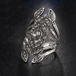 New Fashion Design Gun Black Color Crystal Flower Rings for Women Rhinestone Jewelry Punk anillo hombre bague