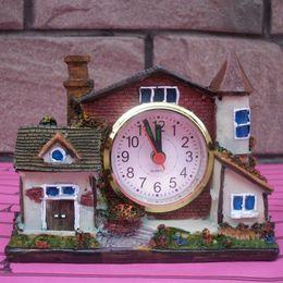 2017 artisanat villa Vente en gros- Creative Villa Table Réveil Super Cool Cadeaux Alarme Horloge Table Artisanat Upscale Boutique Décoration Bureau Européenne bon marché artisanat villa