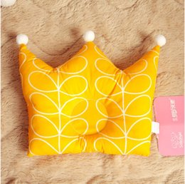 Wholesale Naomi Ito POCHO crown baby pillow infant cotton pillow Cartoon design keep baby right sleeping posture
