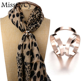Wholesale MissCyCy New Best Deal Good Quality Tricyclic Camellias Imitation Gold Silver Plated Holder Scarf Brooch Clips Jewelry
