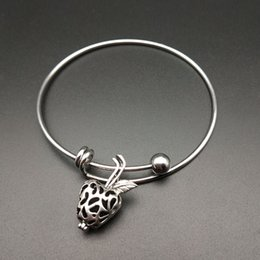 Bracelet and pearl cage pendant, provide production, apple essence oil diffuser, Tibet silver 2pc, add volcanic rock to make it more attract