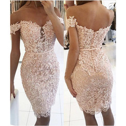 New Cheap Blush Pink Lace Cocktail Dresses Off Shoulder Cap Sleeves Knee Length Crystal Short Sheath Celebrity Prom Party Homecoming Gowns