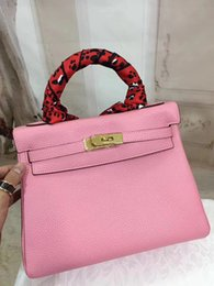 Single shoulder Hand bag Dual-use year round The pattern whole package is the transmission of female noble temperament, the feeling differe