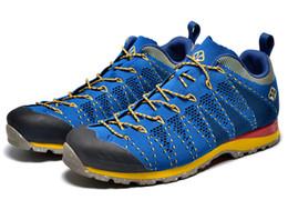 Free shipping 2017 walking shoes Chun xia men outdoor climbing hiking shoes weaving cross-country running shoes 40-44