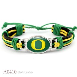 Wholesale New Fashion Oregon Ducks Adjustable Leather Cuff Bangle Bracelet for Athletic Team Mens Sports Wristband Jewelry