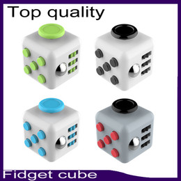 Wholesale Top quality Fidget cube color with retail box best quality matte touch silicone five button