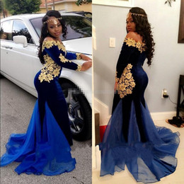 2019 New South Africa Long Sleeves Prom Dresses Elegant Boat Neckline Floor Length Mermaid Royal Blue Velvet Evening Gowns with Gold Lace