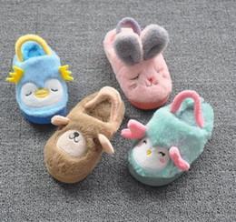 Promotion pantoufles chaussures mignonnes Hiver Bébés Garçons Charmant Cartoon Fur Slipper Accueil Chaussures Tout-petit Premier Walker Owl Bear Bunny Moutons Chaudes Chaussures Mignonnes B4464