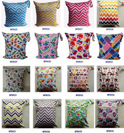 Wholesale Travel Baby Wet and Dry Cloth Diaper Organizer Bag Tote with Soft Snap Handle Wave Animal Patterns Chevron Zipper Waterproof Diaper Bag