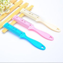 Canada Vente en gros- Beauty Girl Barber Scissor Hair Cut Style Razor Magic Blade Comb Haircut Tool Fine 29 sept. hair cutting for girl for sale Offre
