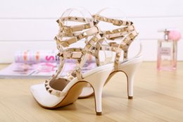 New 2018 Summer Fashion Lady Sexy Women Pumps Pointed Toe Sandals Slingback Studded T-Strap Rivet High Heels Wedding Shoes Woman